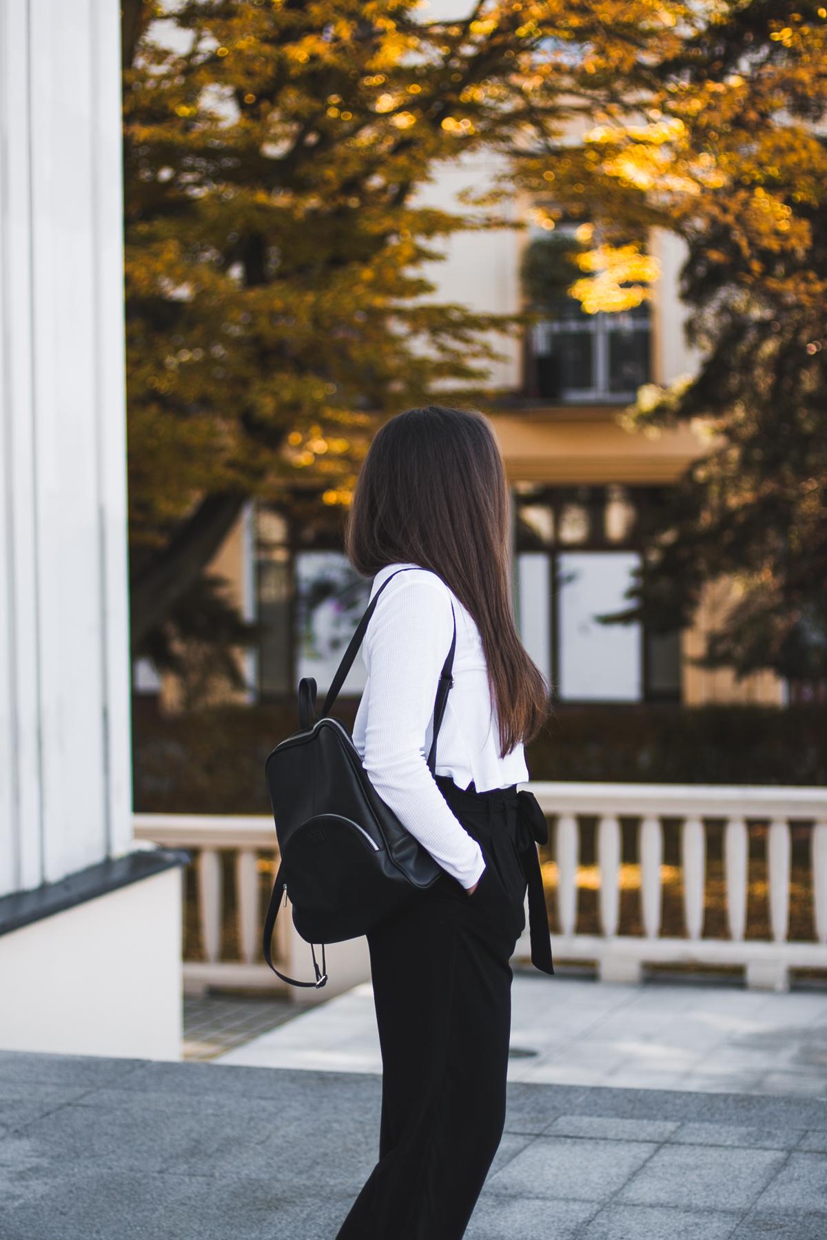 Eleganckie czarne spodnie z kokardą