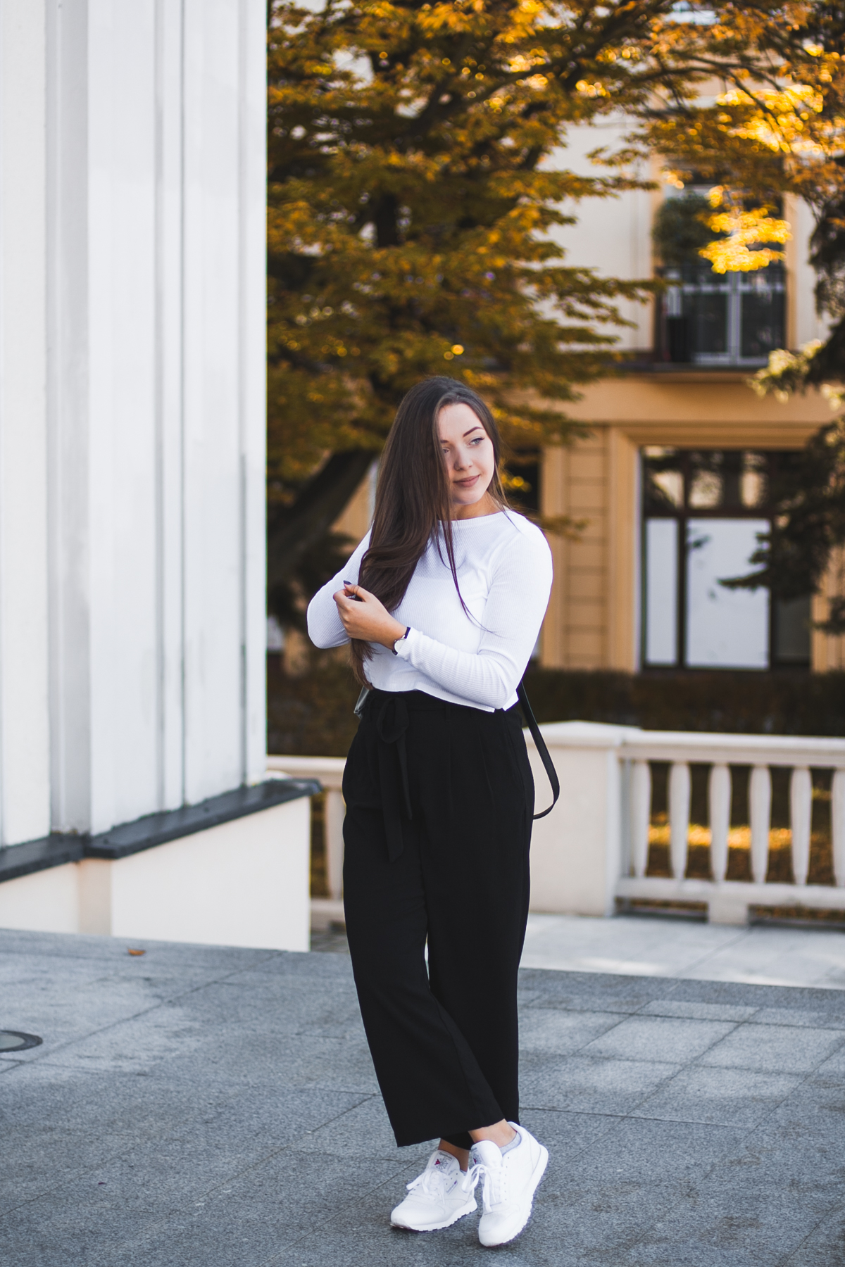 Eleganckie czarne spodnie z kokardą zara