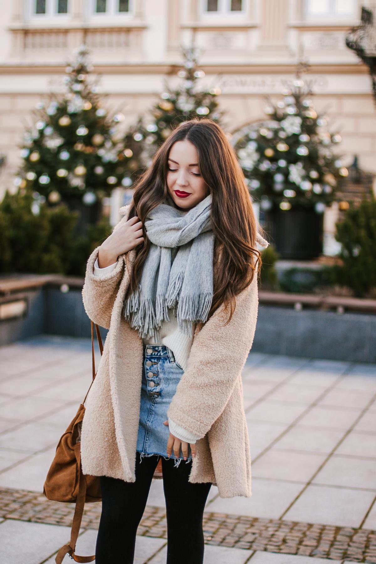 Jeansowa spódnica mini stylizacja