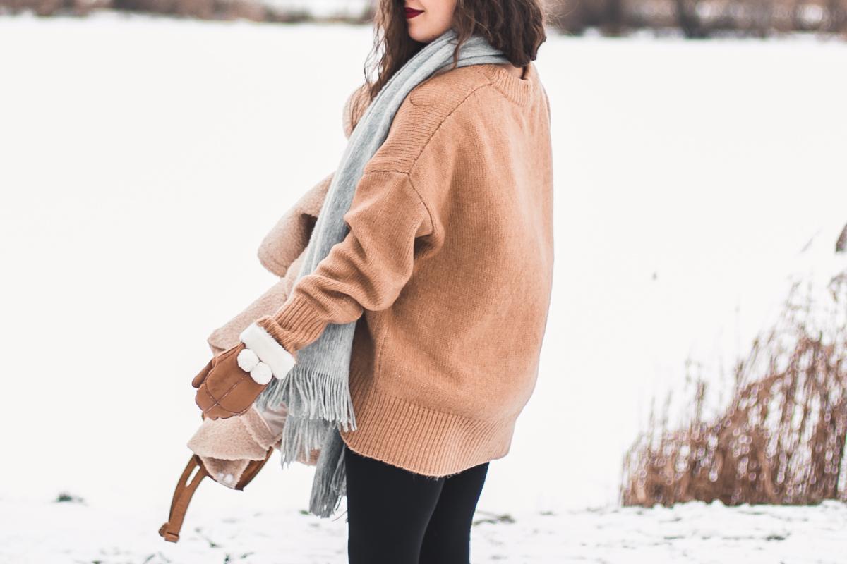 zara karmelowy sweter duży