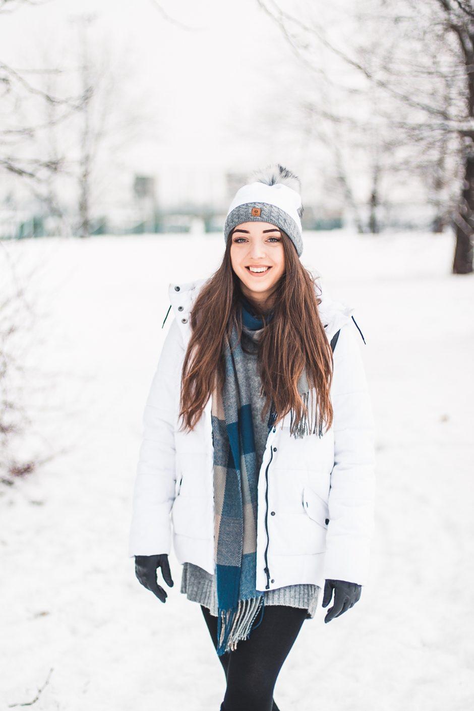 Biała kurtka puchowa na zimę