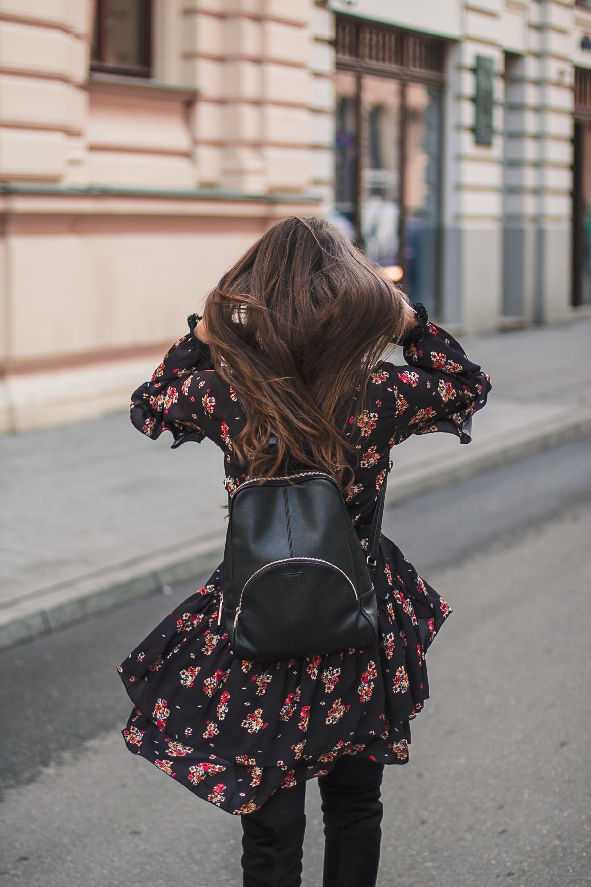 kwiaty-sukienka-wiosna.jpg