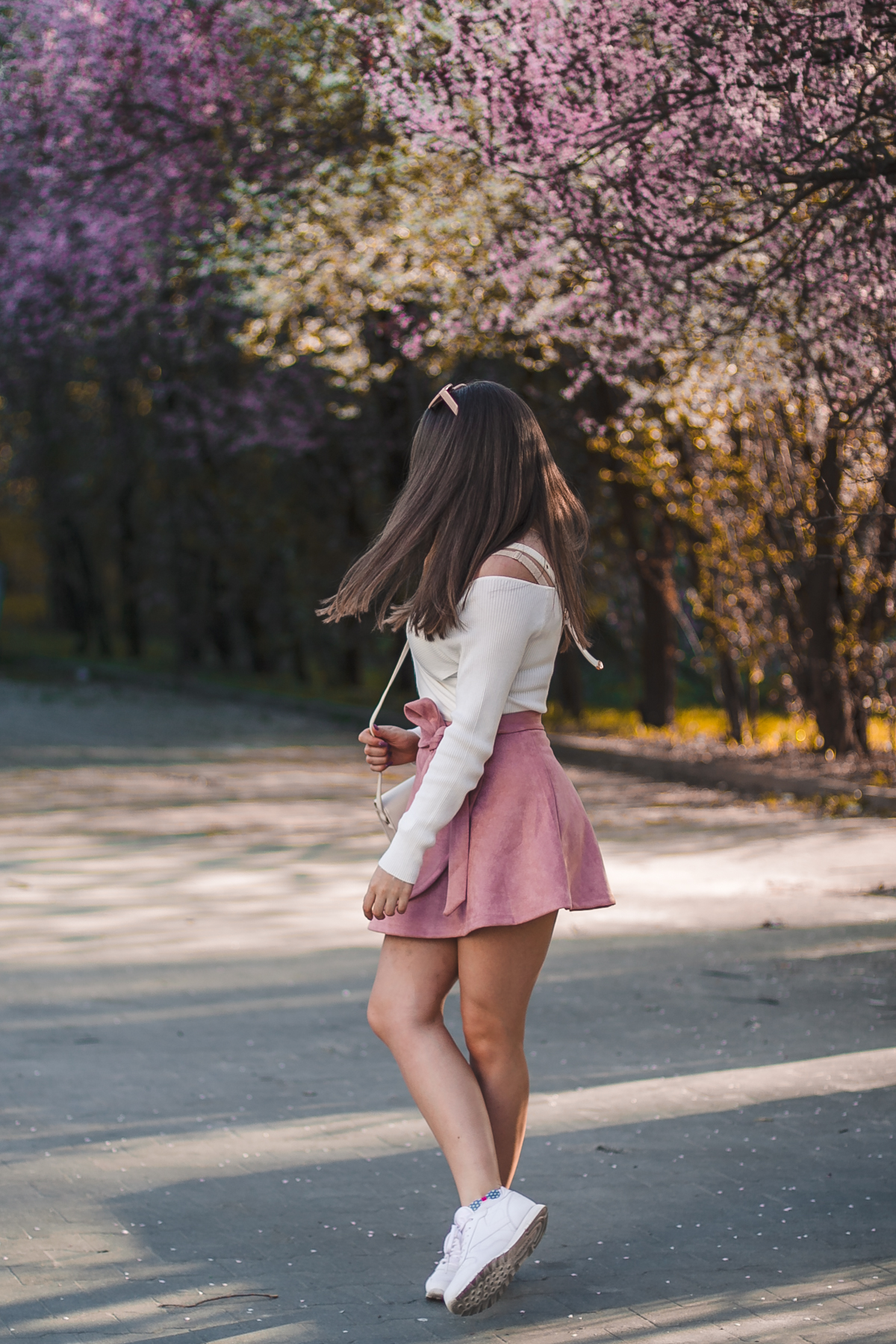 różowa zamszowa spódnica mini