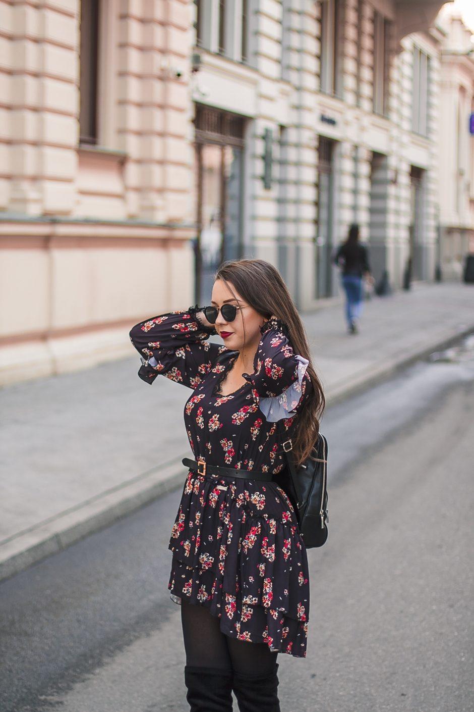 sukienka w kwiatki