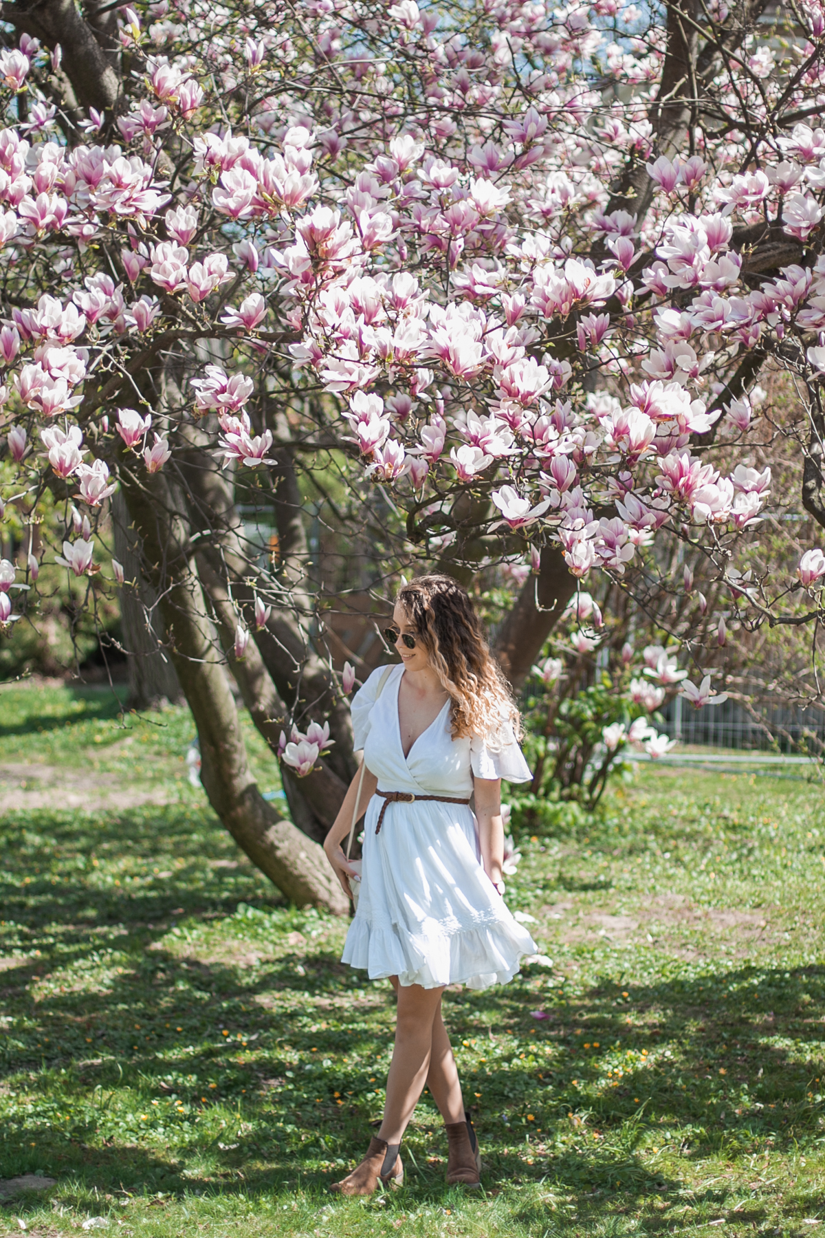 biała sukienka boho na lato