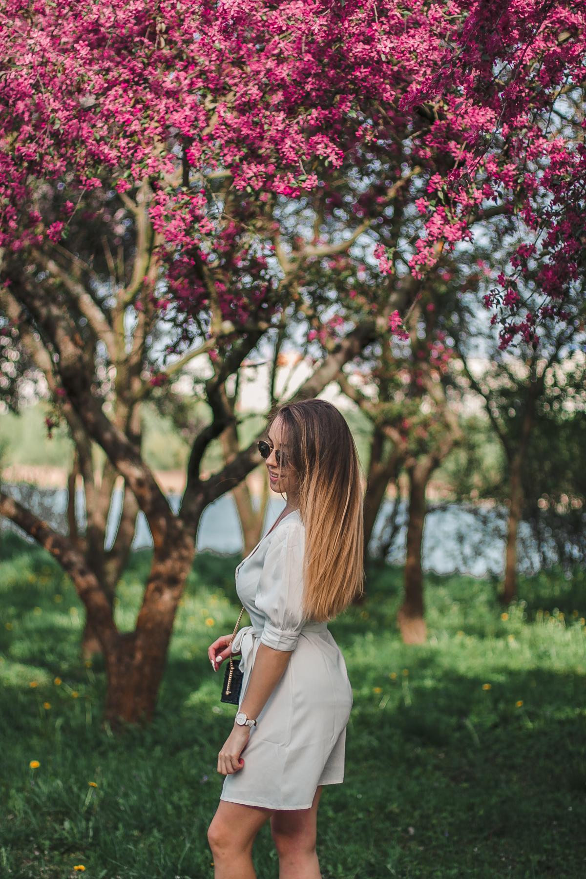 beżowa sukienka wiosenna na-kd