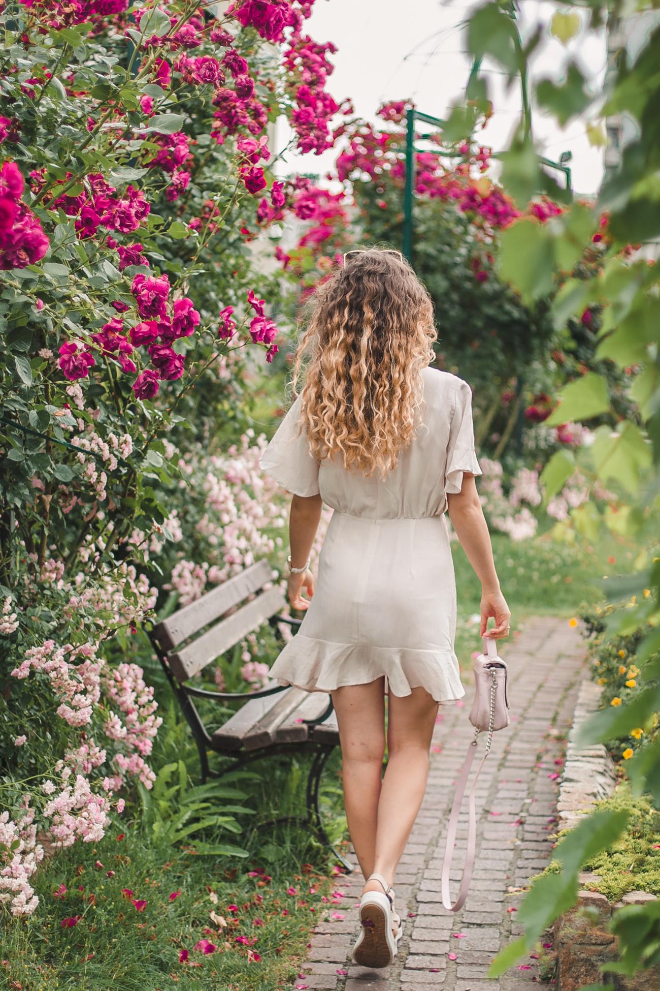 letnia beżowa sukienka renee