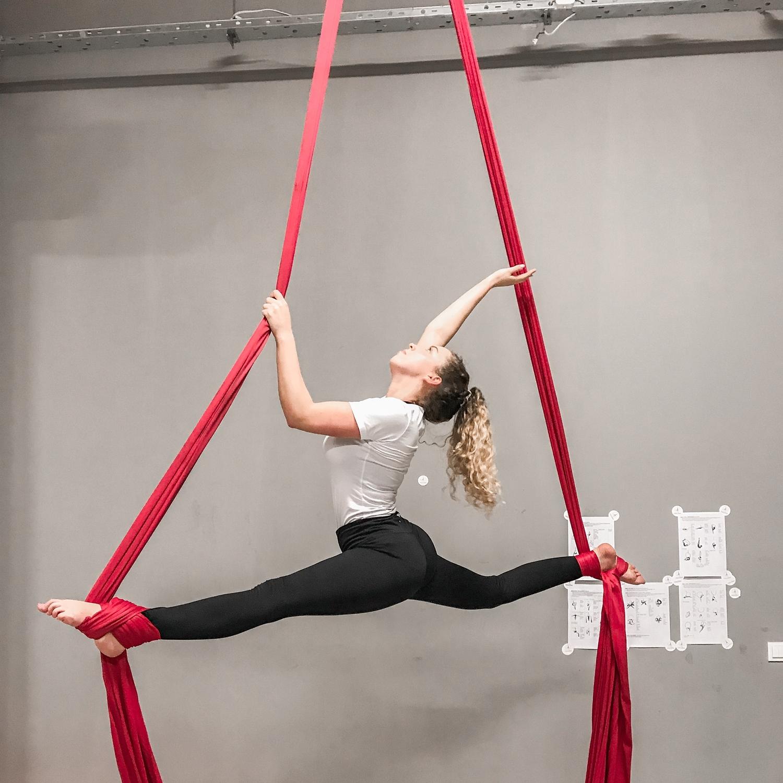 akrobatyka szarfy