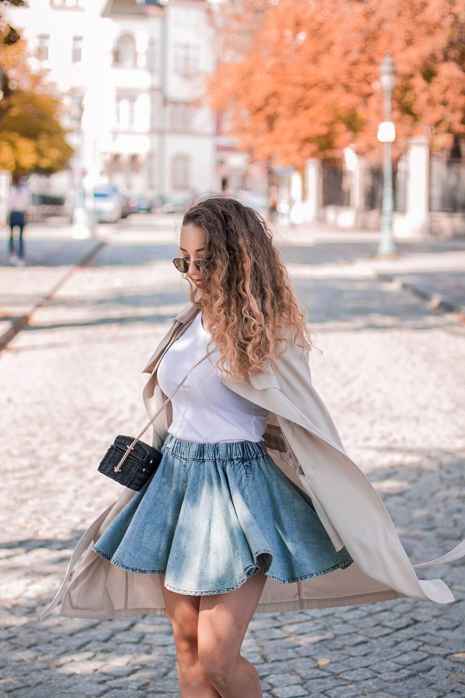 rozkloszowana spódnica jesień dziewczęca stylizacja