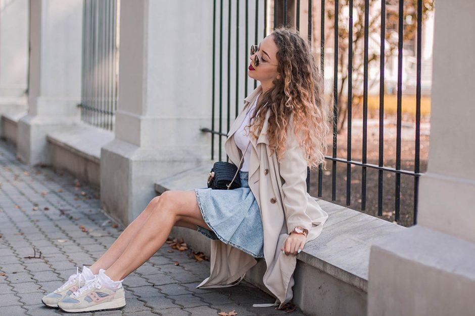 jesienna dziewczęca stylizacja z beżowym płaszczem