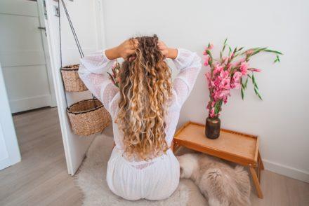 kręcone stylizacja długich włosów