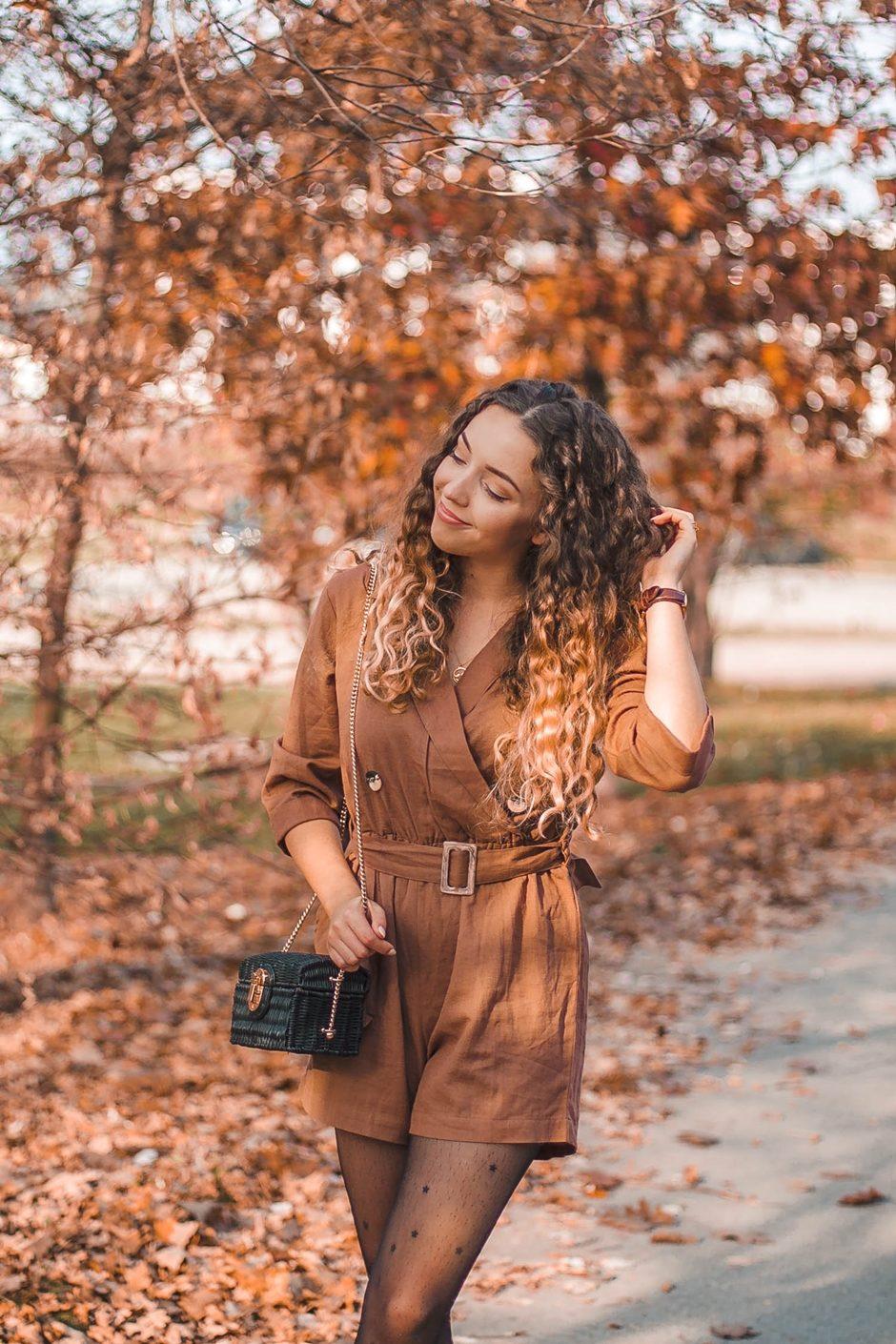 brązowy kombinezon lniany na jesień