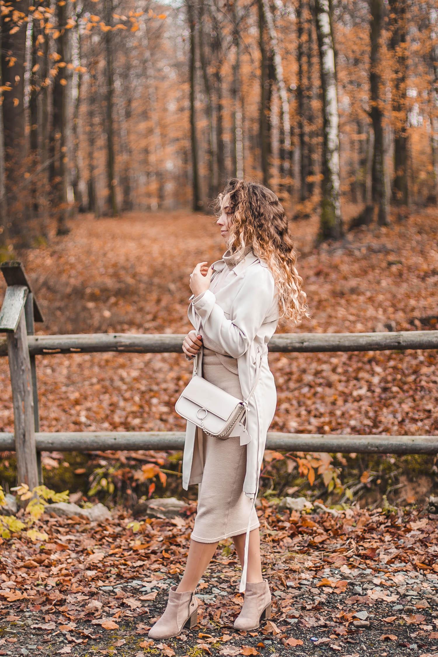 beżowy total look na jesień
