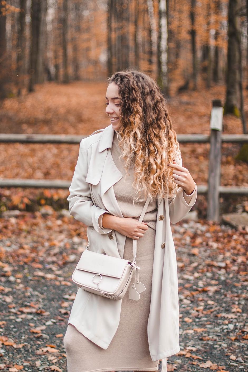 beżowy total look jesień