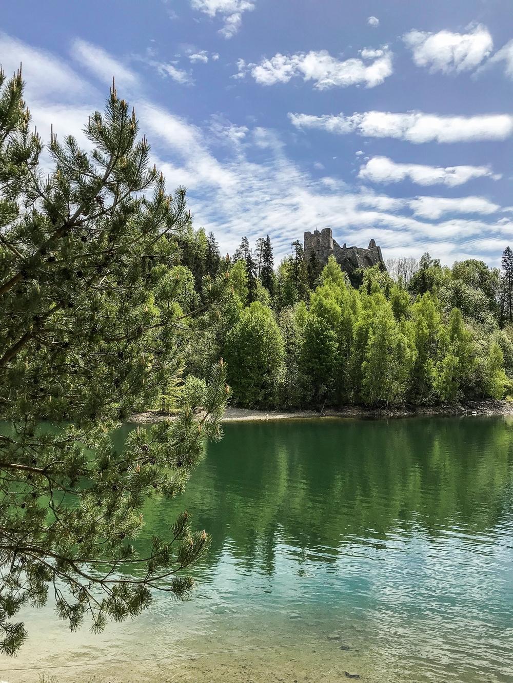 zamek w czorsztynie ruiny jezioro czorsztyńskie