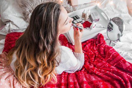 Pomysł na prezent świąteczny - kosmetyczny prezentownik
